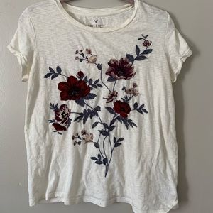American Eagle Floral T-shirt